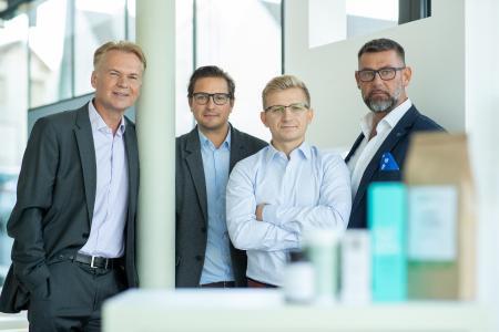 Vitrasan – CBD VITAL Geschäftsführer & Gesellschafter: Dr. Klaus Bechter (Gesellschafter), Mag.pharm. Matthias Schöggl (Geschäftsführer & Gesellschafter), Thomas Sulzer (Geschäftsführer & Gesellschafter), Peter Binder (Gesellschafter) (v.l.n.r.)