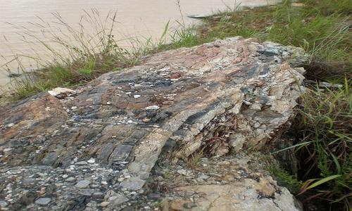 Pegmatit übertage; Foto: AVZ Minerals