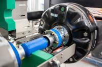 Eine der XILforEV-Testplattformen: Prüfstand in Ilmenau mit einem Rad-nabenmotor der slowenischen Firma Elaphe © TU Ilmenau/Christoph Lehne