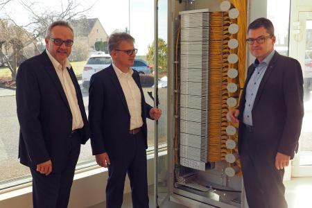 von links: Dr. Michael Seibold, Ralf Hammer, MdB Roderich Kiesewetter