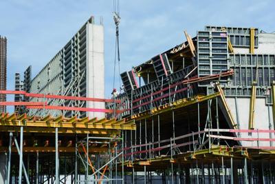 Beim Bau der Erweiterung des Meilenwerks Böblingen konnte die NOEtop Rahmenschalung ihr großes Plus ausspielen: den durchdachten Schaltafel-Raster. (Foto: NOE-Schaltechnik, Süssen)