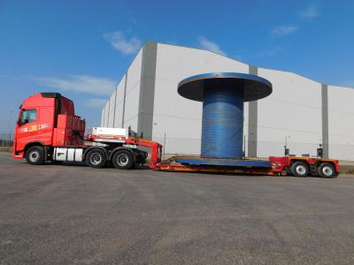 Oversized cargoes are safely transported with the Goldhofer STZ-VP 2 wafer deck low loader (photo: Potteries)