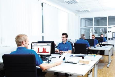 Programmierung und Auswertung von Schnittstellencontrollern bei Armbruster Engineering