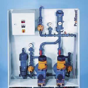 Modulare, auf Platten vormontierte Dosiersysteme DULCODOS® sind individuell konfigurierbar und bilden eine funktionsfähige Einheit mit einer oder zwei Pumpen.