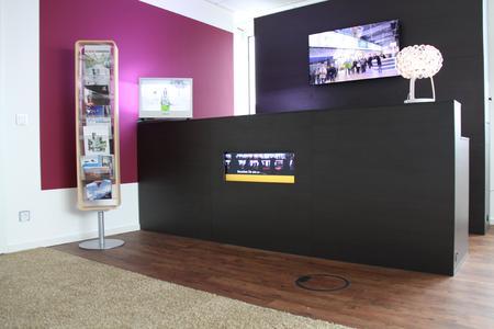 Ingram Micros Digital Signage Sparte kooperiert mit Digitalagentur MINISTRY