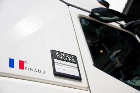 """Passend zum 24-Stundenrennen von Le Mans führt Renault Trucks die neue Sonderedition """"T High Edition – Team Alpine"""" ein"""