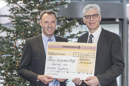 Matthias Mierisch, CEO arvato Systems und Kai Pleuser, Aktion Deutschland Hilft (v.l.)