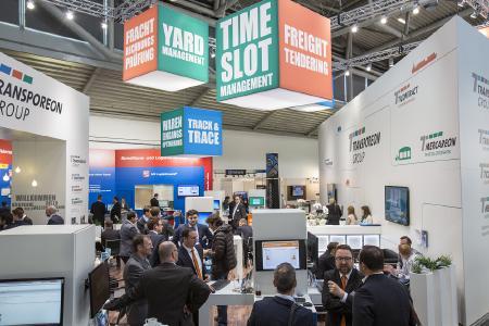 Die transport logistic begrüßte 2015 ca. 55.000 Fachbesucher aus 124 Ländern und 2.050 Aussteller. Bild: Messe München