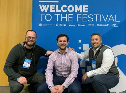 Auf der Gründerkonferenz Bits & Prezels haben LAUDA und ENER-IQ ihre Zusammenarbeit bekannt gegeben. Im Bild: Der Geschäftsführende Gesellschafter von LAUDA , Dr. Gunther Wobser, Sven Rausch, Co-Founder und CEO von ENER-IQ sowie der Start-up Manager von LAUDA, Robert Tietze (v. l.)