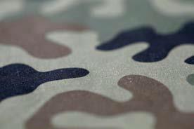 Militärische Kampfanzüge sind normalerweise mit den üblichen Tarnmustern von 3 – 5 Farben in Erd- und Olivtönen ausgestattet © Hohenstein Institute