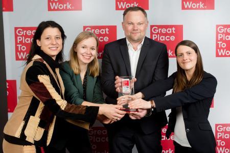 Sina Walter, Katharina Meerpohl, Markus Becker und Jennifer Riedasch (v. l. n. r.) nahmen den Award am 14. Februar 2019 in den Berliner Design Offices am Humboldthafen entgegen.