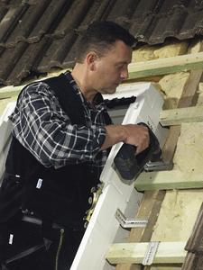 Schäden am Haus sind immer ärgerlich - besonders dann, wenn der Vermieter nicht schnell genug für die Beseitigung sorgt FOTO: VELUX / Immowelt.de