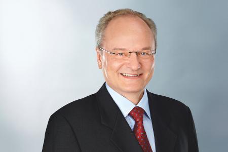Dr. Frank Walloch, Leiter Entwicklung Lkw- und Busreifen bei Continental