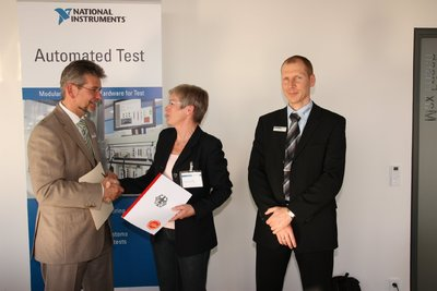 Von links nach rechts: Michael Dams National Instruments, Susanne Witteriede MINT Pakt, Ingo Földvári National Instruments