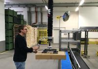 FIPA in practice: Tube lifter simplifies internal logistics