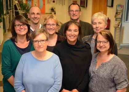 Das QPL-Team: (v.l.) Camilla Muschner, Dr. Falk Scharnberg, Dr. Margret Reimer, Johanna Böhndel, Victoria Richter, Dr. Klaus von Stackelberg, Heike Witt und Ellen Kittel-Wegner / Foto: Gatermann