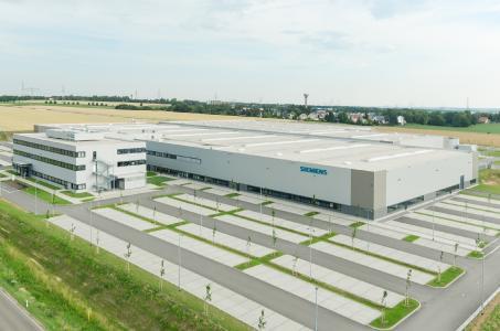 Mit dem kompakten Kleinteilelager AutoStore® automatisiert Dematic das  Siemens-Werk für Kombinationstechnik in Chemnitz. (Foto: Siemens AG)