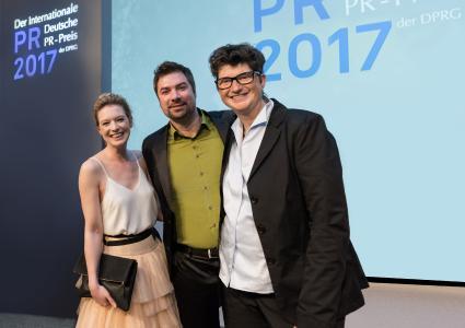Preisverleihung  - ATO interactive und EWE gewinnen Deutschen PR Preis