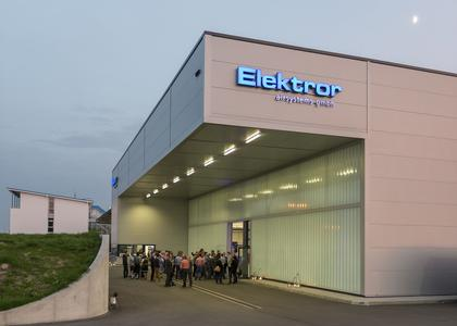 The outside view of the 3,600 square meter hall at the opening celebration. Picture author: Elektror airsystems gmbh