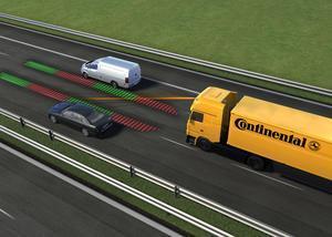 Lastwagen: Brems- und Spurhalteassistent helfen Unfallzahlen zu senken
