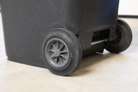 Die TORWEGGE GmbH & Co. KG bietet für den fachgerechten Mülltransport eine Vielzahl an Rädern, Rollen und weiteren Komponenten in diversen Größen, Materialien und Bauformen an / Foto TORWEGGE