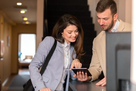 """Digitale elektronische Unterschrift - In Hotels, Campingplätzen, Pensionen und anderen Beherbergungsbetrieben """"digital"""" einchecken und die Anmeldung elektronisch unterschreiben."""