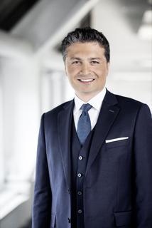 """Yilmaz Alan leitet ab dem 1. Januar 2014 den Geschäftsbereich """"Services"""" bei Detecon International  (Fotograf: Immo Fuchs)"""