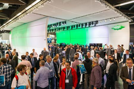 The many new products at the BITZER trade fair stand generated a great deal of interest among specialist visitors.