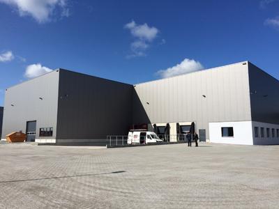Der Neubau des REHAU Logistik-Centers im mittelfränkischen Feuchtwangen  (Fotos: REHAU)