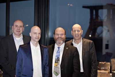 Dr. Ralf Bräuer, Dr. Andreas Jendral, Essens Bürgermeister Rolf Fliß und Hermann Lüpken (v.l.n.r.)
