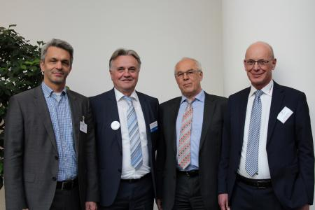 (from left to right): Juergen Hupp (Fraunhofer IIS, Head of Communication Networks Department) / Slobodan Puljarevic (EBV Elektronik, President) / Josef Sauerer (Fraunhofer IIS, Head of Division Smart Sensing and Electronics) / Reinhard Pusch (RoodMicrotec GmbH, COO)