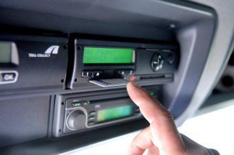 TÜV SÜD: Karten für den Fahrtenschreiber rechtzeitig beantragen