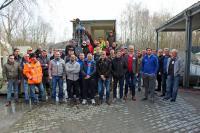 Gruppenbild der Teilnehmer des zweitägigen Fachverarbeiterlehrgangs vom 19. und 20. Februar 2019 im Außenbereich des Trainings- und Seminarzentrum der MC-Bauchemie in Bottrop.