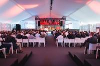 Im Industriepark Würth der Würth Industrie Service GmbH & Co. KG trafen sich anlässlich des Fachforums C-Teile-Management am 20. und 21. Juni 2018 rund 400 geladene Gäste aus der ganzen Welt