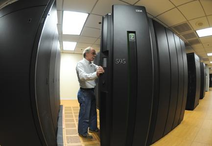 "IBM Innovation Systems Engineer James Thoensen at the company's Cloud Computing Center in Southbury, Conn. IBM today introduced the industry's first set of commercial ""cloud"" services. (Bob Goldberg/Feature Photo Service)"