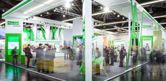 Der Murrelektronik-Messestand präsentierte sich bei der SPS IPC Drives in neuer und erfrischender Gestaltung