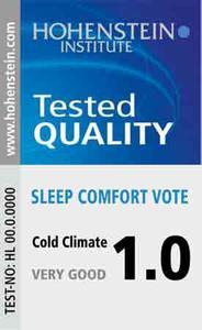 Anhand der angegebenen Wärmeisolationsklasse und Schlafkomfortnote des Hohenstein Qualitätslabels wird die Wahl der richtigen Bettdecke ereichtert / © Hohenstein Institute