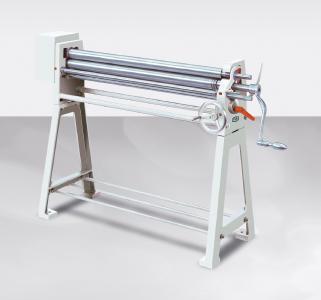 Rundbiegemaschine Typ 102 inklusive digitaler Positionieranzeige / Bildquelle: Schröder Group