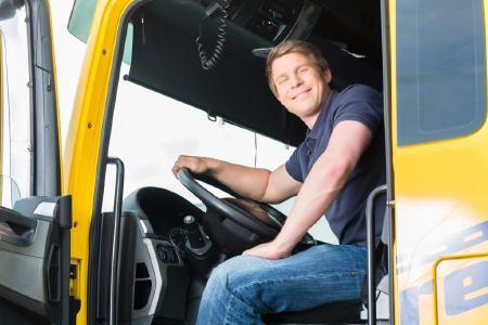 Berufskraftfahrer gezielt mit Piening Personal qualifizieren / Quelle: Fotolia