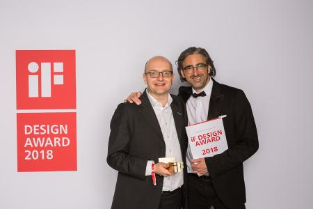 Sören Jens Lauinger und chilli mind-Geschäftsführer Oliver Gerstheimer freuen sich über ihre preisgekrönte Zusammenarbeit / Bildnachweis: B. Braun Melsungen AG