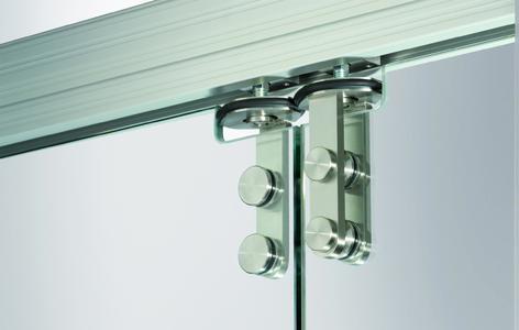 Manuelles Schiebewandsystem mit Ganzglas-Designbeschlägen (GGS) von GEZE, Detail oben