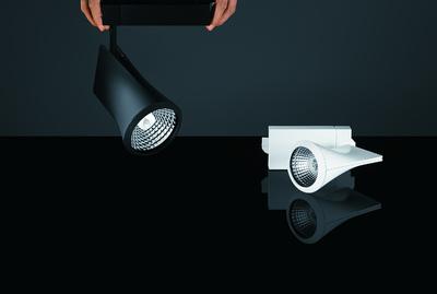 zumtobel bringt neues strahlerprogramm iyon auf den markt. Black Bedroom Furniture Sets. Home Design Ideas