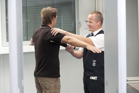Für die Sicherheit der Fluggäste werden auch in Zukunft etwa 180 ausgebildete Luftsicherheitsassistenten des DSW sorgen. (Bild: Piepenbrock)