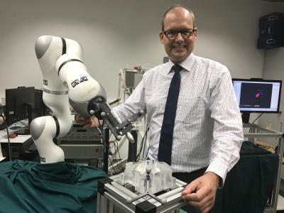 Wirtschaftsdezernent Ulf-Birger Franz will Hannover als Standort innovativer Robotik-Lösungen weiterentwickeln
