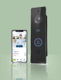 Die smarte FUHR Video-Türsprechanlage SmartConnect door. Mehrwert für jede Tür. Jetzt mit Bluetooth und integrierter Touch-Türklingel.