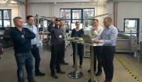 Gemeinsam mit dem Sächsischen Textilforschungsinstitut e.V. (STFI) soll eine Rundstrickmaschine der thoenes® Dichtungstechnik GmbH sensorbasiert nachgerüstet werden / Foto: STFI