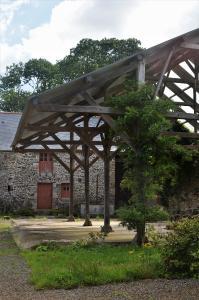 Für den Tragwerksbau wird in der Bretagne bevorzugt Eichenholz verwendet. Foto: Achim Zielke
