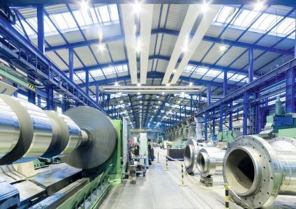 In seinem Produktionswerk in Coswig fertigt die Walzengießerei Coswig Walzen und Walzringe mit maximal 55 Tonnen Gussgewicht in den Werkstoffen Grauguss, Sphäroguss und Stahlguss, (Fotos: Walzengießerei Coswig)