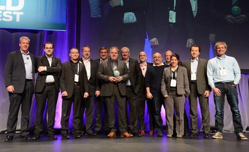 """Die Westcon Group wurde anlässlich der Global Partner Conference von Juniper Networks als """"EMEA Distributor of the Year"""" ausgezeichnet. Für Westcon Security Deutschland nahm General Manager Robert Jung (4. v. r.) den Award entgegen"""