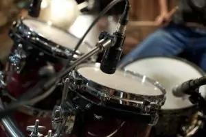 Tonaufnahme bei einem Schlagzeug